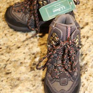 NWT Kids hiking boots trail model waterproof sz 10